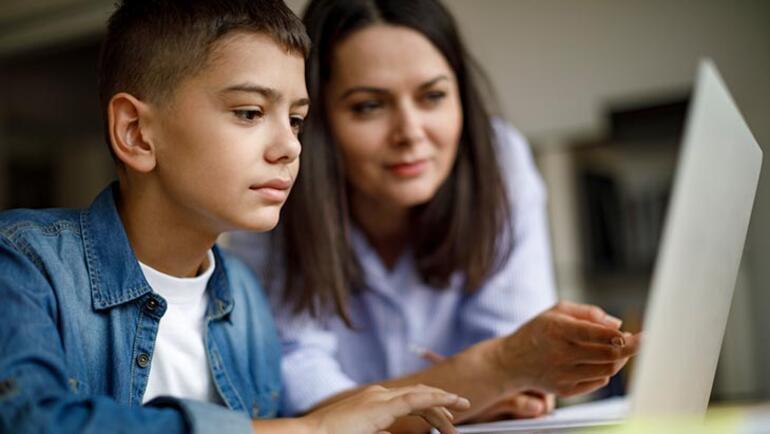 Uzaktan eğitim süreci nasıl yönetilmeli 5 farklı branşta uzman öğretmen yanıtladı...