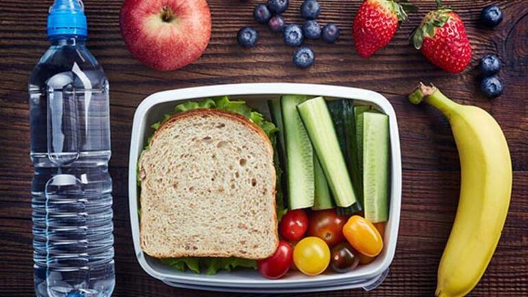 Uzaktan eğitim sırasında çocuklar evde nasıl beslenmeli