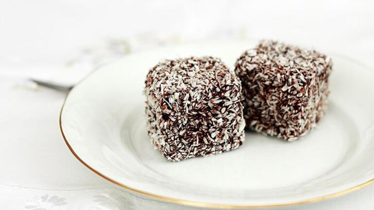 Evde kaldığınız günleri tatlandıracak 10 dakikalık 5 tatlı tarifi