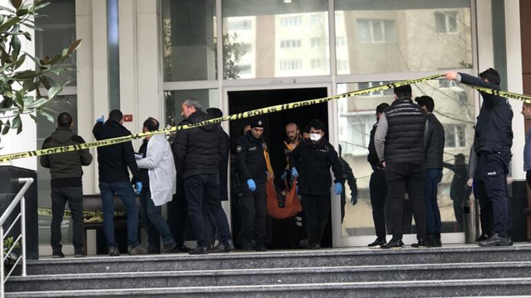 İstanbulda sıcak saatler Maske alış verişinde silahlı kavga