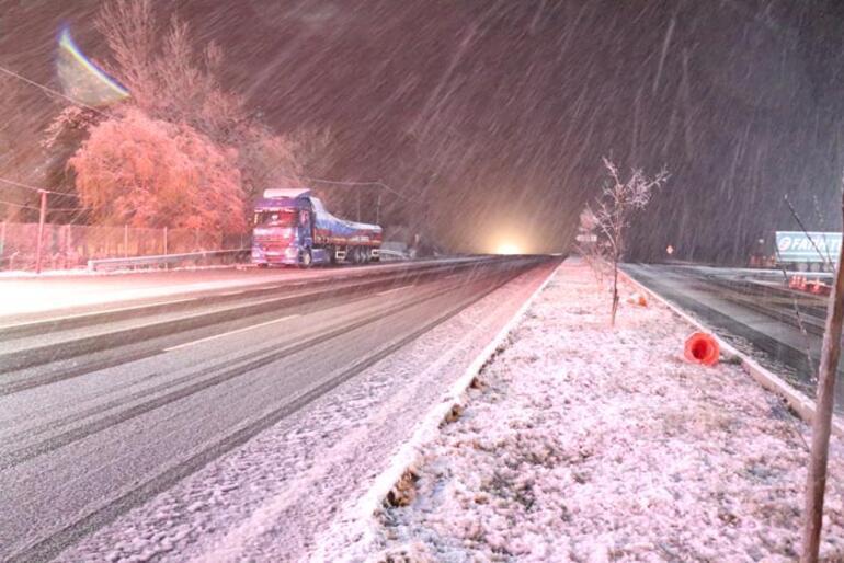 İstanbula yakın Kar yağışı başladı
