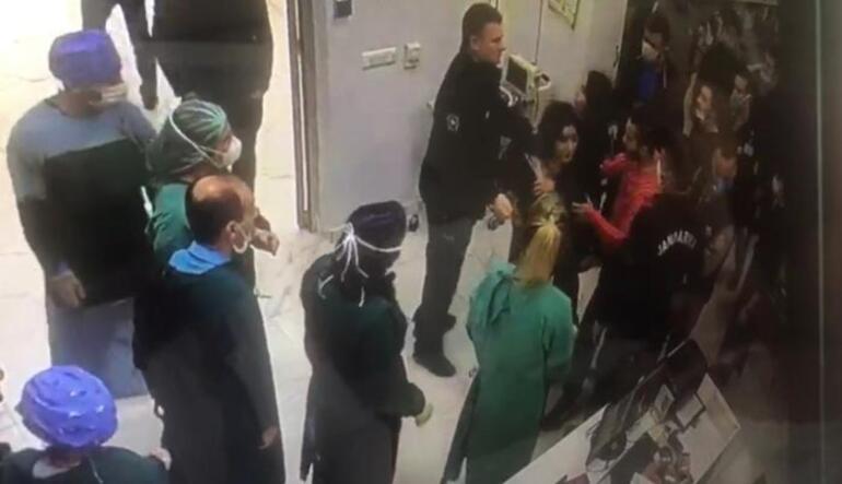 İki genç kız doktora saldırdı O görüntüler ortaya çıktı