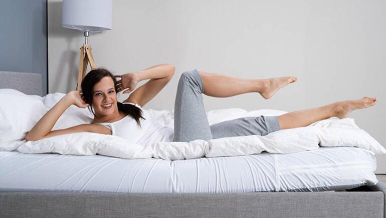 Sabahları yataktan kalkmadan yapabileceğiniz 10 pratik egzersiz