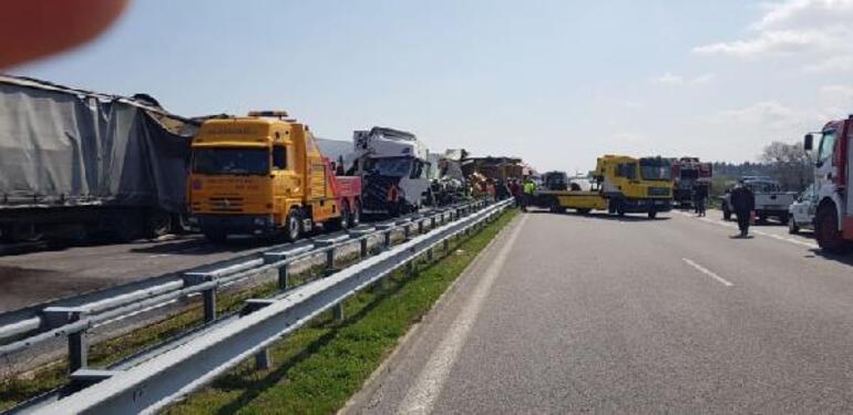 Son dakika Bulgaristan'da TIR kuyruğunda zincirleme kaza: 2 ölü