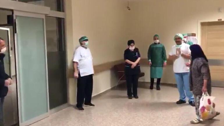 Corona virüs tedavisi tamamlanan hastalar alkışlarla taburcu edildi