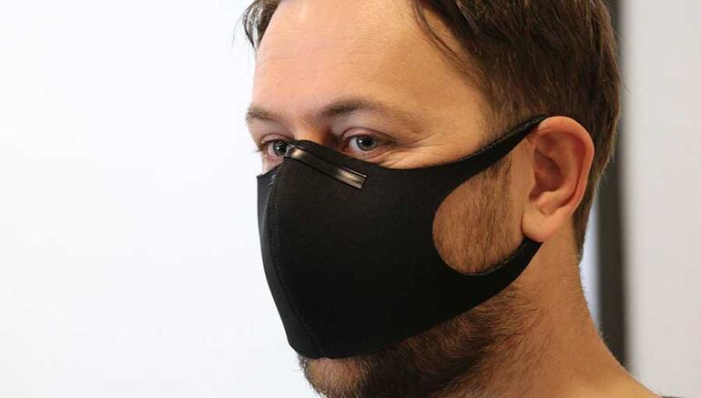 Siyah maskeler polenden korur