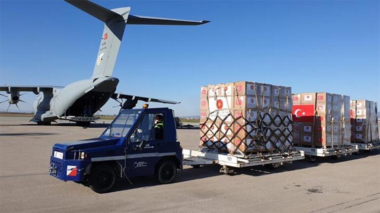 MSB paylaştı: Yardım uçağı Kosovaya ulaştı