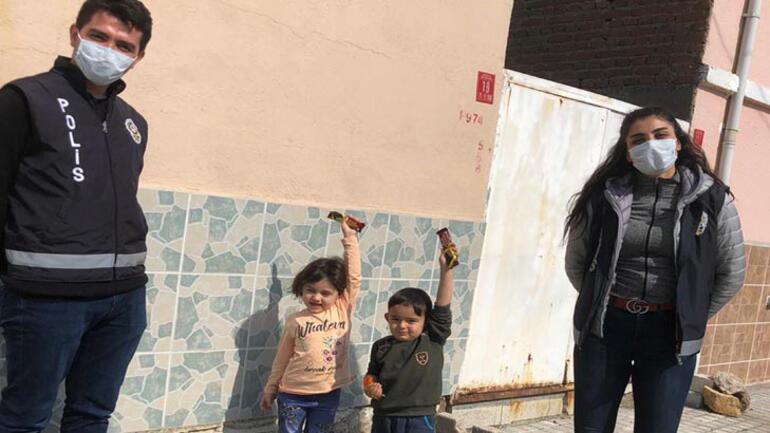 Polisleri görünce korkan çocuk, yaptığı eve böyle saklandı