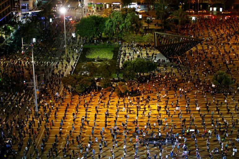 Son dakika... Gövde gösterisi pahalıya patladı Rusyada 15 bin asker karantinaya alındı
