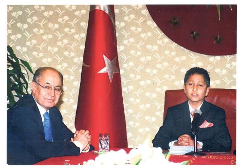 Son dakika: Yıllar önce 23 Nisanda Erdoğanın koltuğuna oturmuştu O günü anlattı
