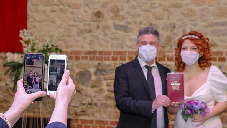 Online nikahla dünyaevine girdiler