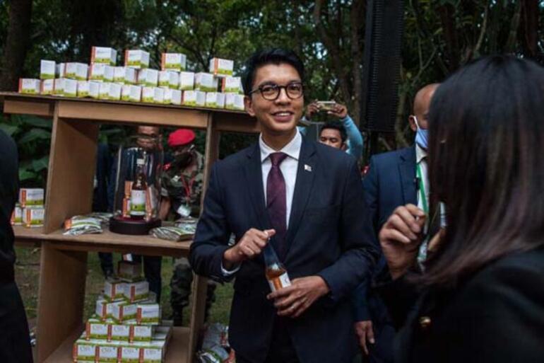 Madakaskarın covid-19 bitkisel ilacına talepler artıyor
