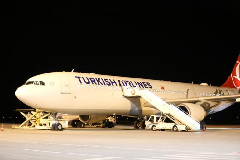 Hindistandaki Türk vatandaşlar Sivasa getirildi
