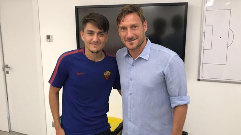 İtalya Milli Takımı'nın eski golcüleri Totti ve Vieriden Cengiz Ündere övgü