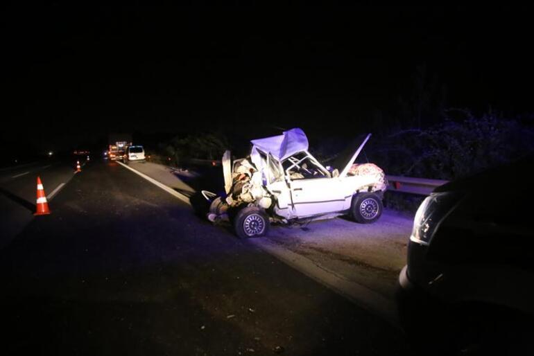 Adanada TIR otomobile çarptı: 1 ölü, 4 yaralı