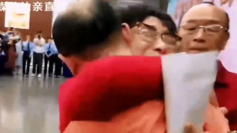 Kaçırılan oğlunu 32 yıl sonra buldu