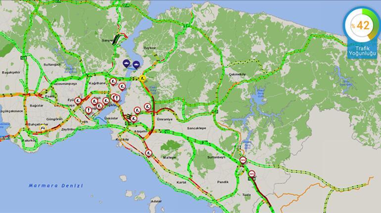 Son dakika İstanbulda şaşırtan görüntü Trafik yüzde 42lere kadar çıktı