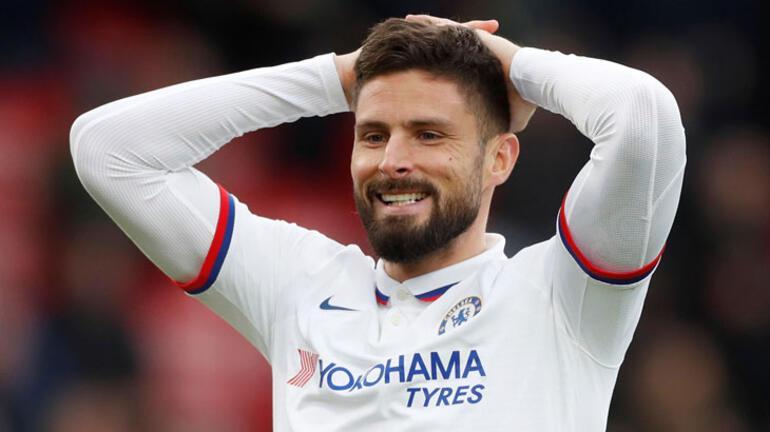 Chelsea, Fransız forveti Giroudun sözleşmesini uzattı
