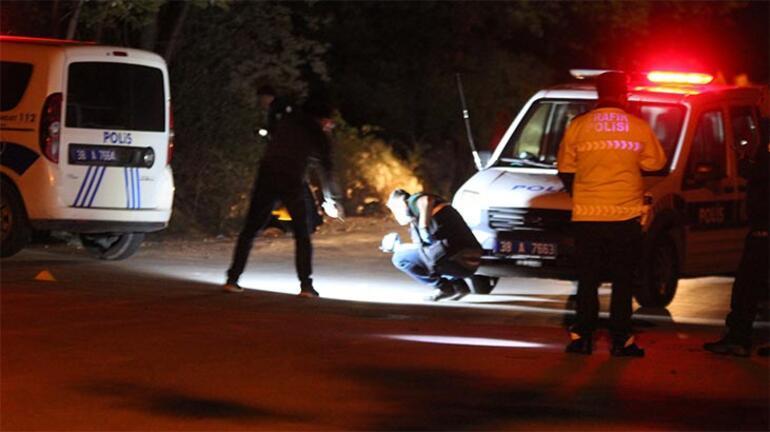 Polisin dur ihtarına uymadılar Aracın içinde...
