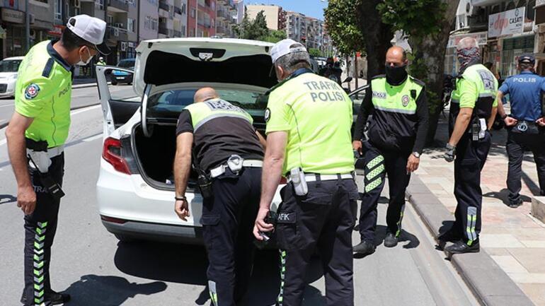 Polisten kaçan şüphelinin bulunduğu otomobilde uyuşturucu ele geçirildi