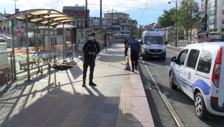 Son dakika haberi... İstanbulda sabah şoku Tramvay durağında erkek cesedi bulundu