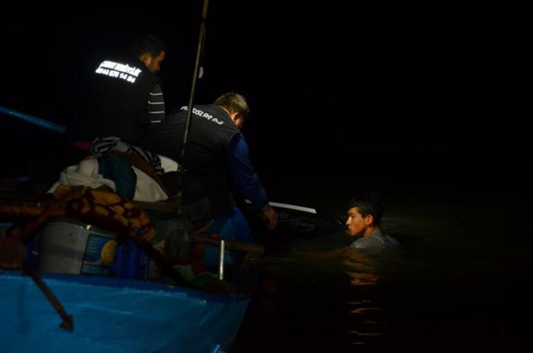 Samsunda lüks araç denize uçtu Balıkçılar imdatlarına yetişti