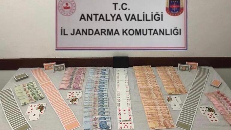 Antalyada eve şok baskın 7 şahsa 33 bin lira ceza
