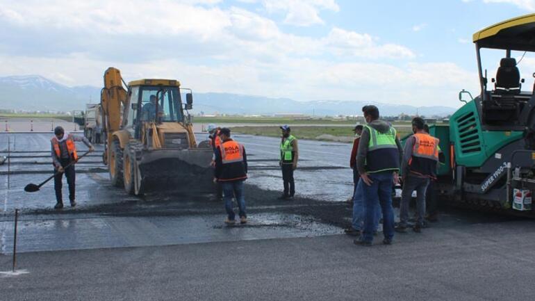 Son dakika... Erzurum Havalimanı pisti bitmeyince Vali çıldırdı Utançtan sokağa çıkamayız