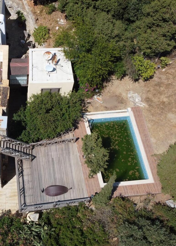 Can Dündarın villasında yıkım sürüyor Havadan görüntülendi