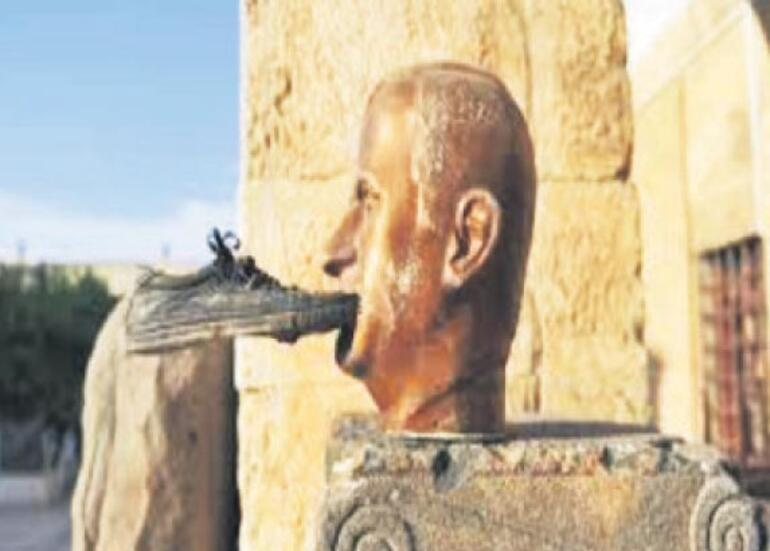 Heykel yıkıldı Saddam düştü