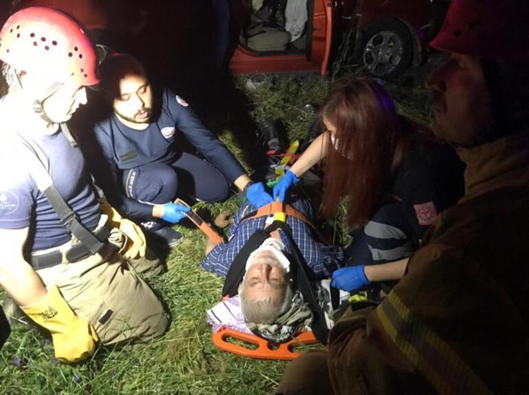 Arnavutköyde trafik kazası: Aynı aileden 6 yaralı