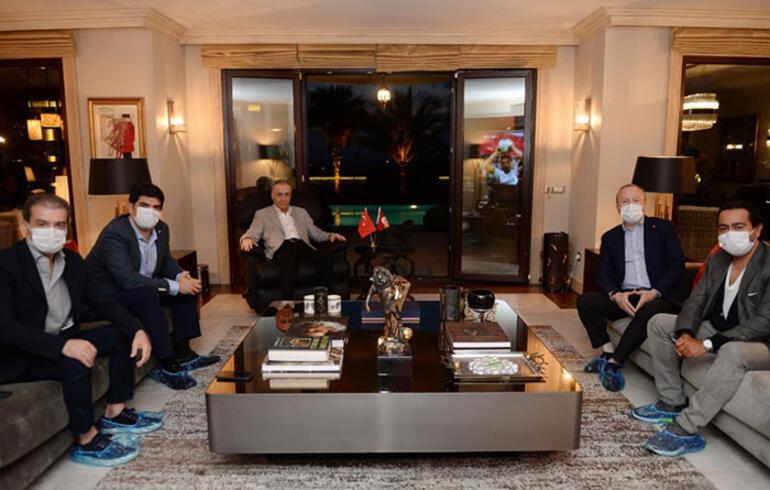 Galatasaray Başkanı Mustafa Cengiz maçı evinden takip etti