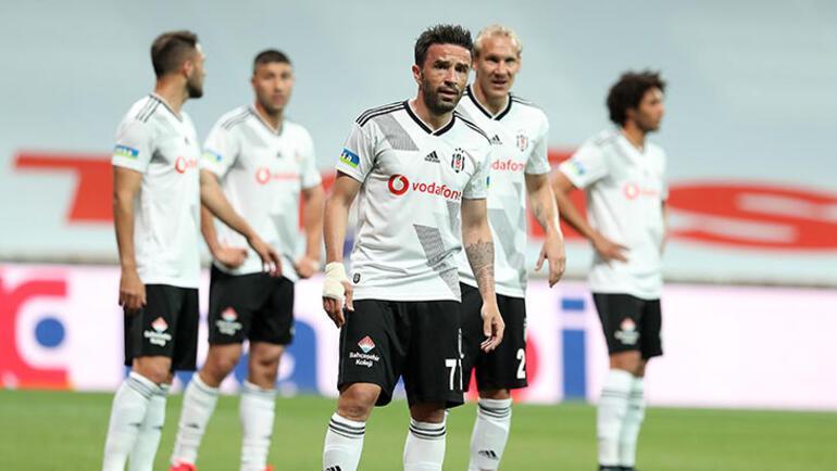 Beşiktaşta Gökhan Gönül alkış topluyor
