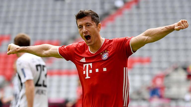 Robert Lewandowski, Bundesligada sezonun  futbolcusu seçildi
