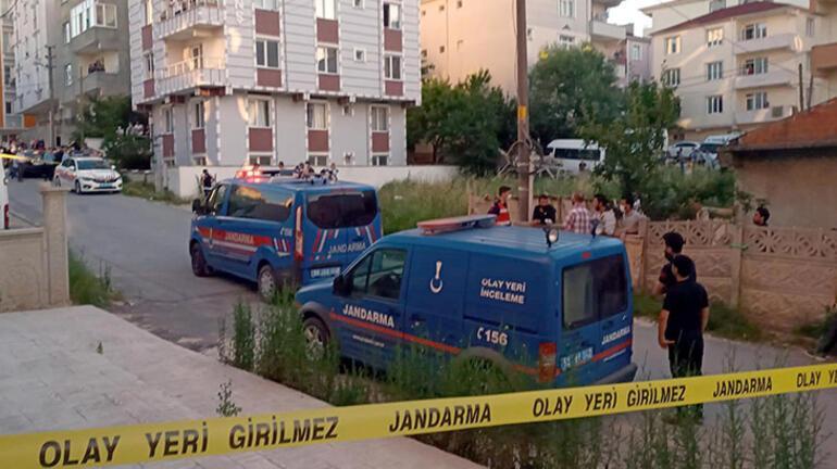 Çok acı olay Oyun oynarken araba çarpan 4 yaşındaki çocuk öldü