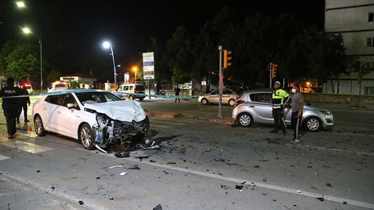 Sivasta gece yarısı trafik kazası 7 yaralı var