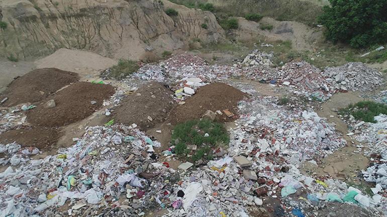 İzmirin ilçelerinde, belediyelere moloz kirliliği tepkisi