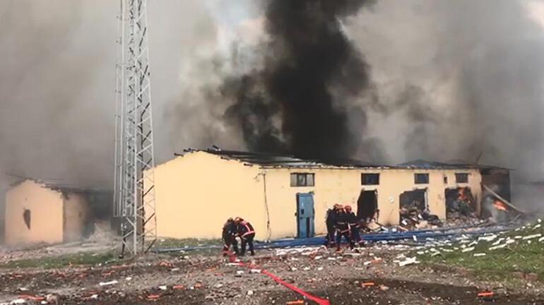 Son dakika: Sakaryada havai fişek fabrikasında şiddetli patlama Validen ilk açıklama...