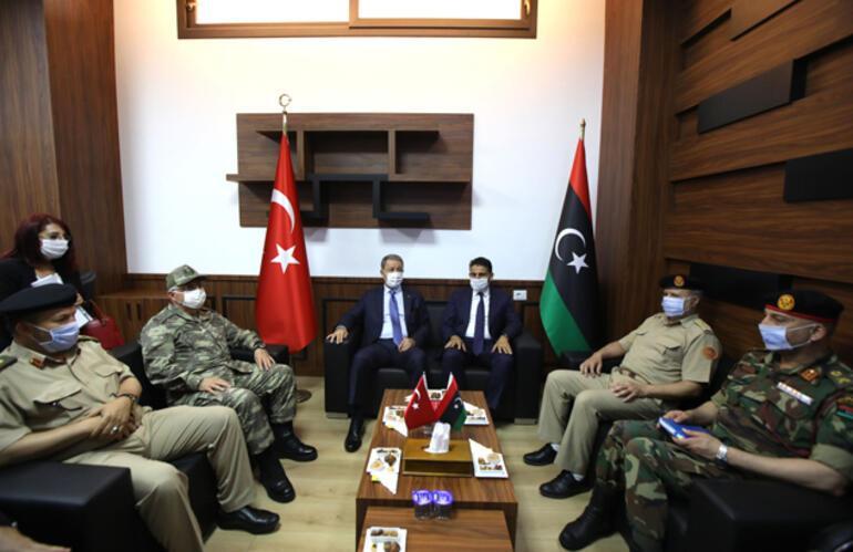 Son dakika... Milli Savunma Bakanı Akar Libyada