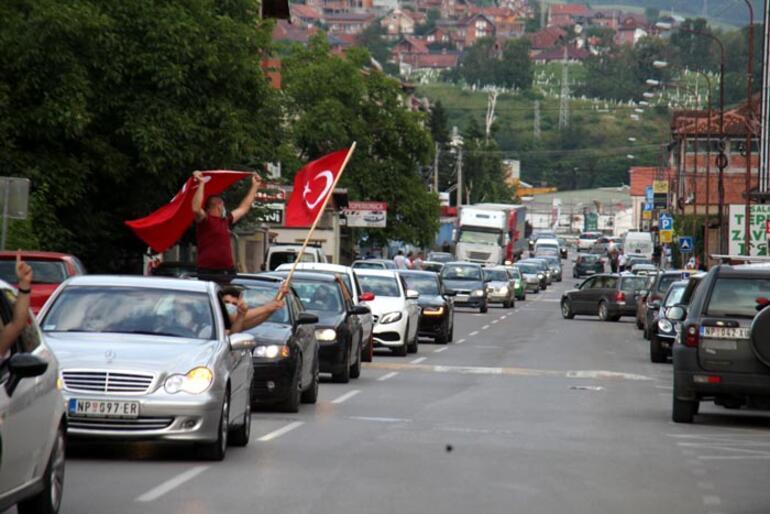 Türkiyenin gönderdiği tıbbi malzeme yardımı Sancak bölgesine ulaştı