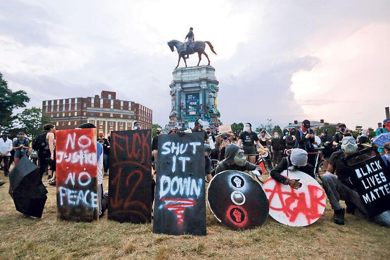 Vandallık mı protesto mu