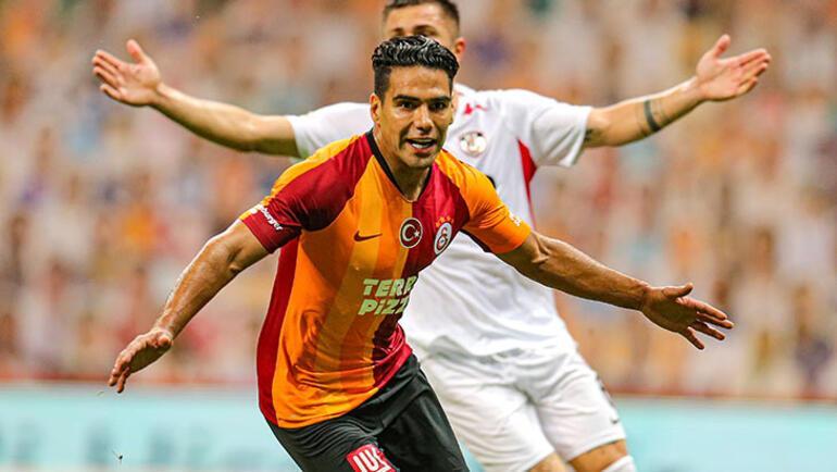 Falcao Galatasarayı ikiye böldü