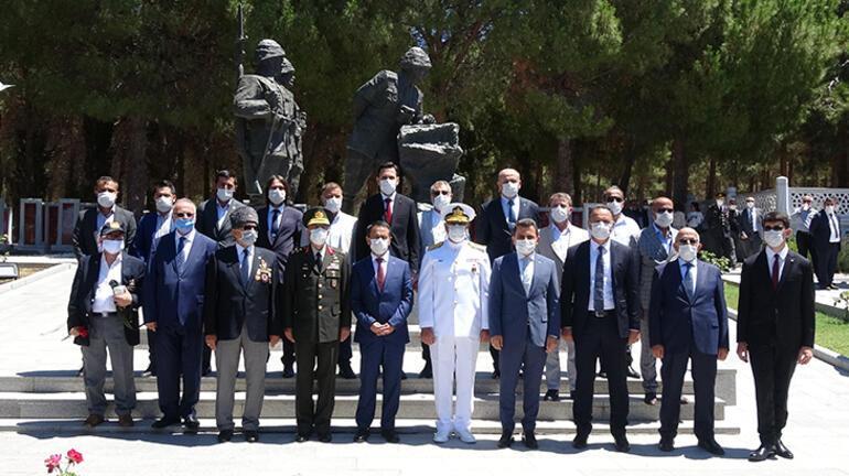 15 Temmuz şehitleri için Şehitler Abidesi'nde tören düzenlendi