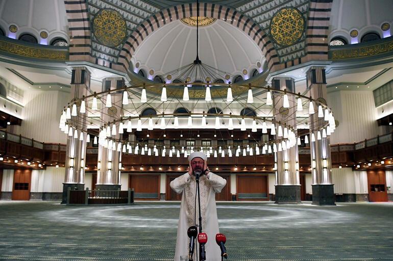 Son dakika... Tüm camilerde saat 00:13'te sela okundu