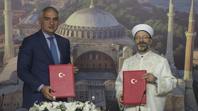 Son dakika... Bakan müjdeyi verdi Ayasofya için protokol imzalandı