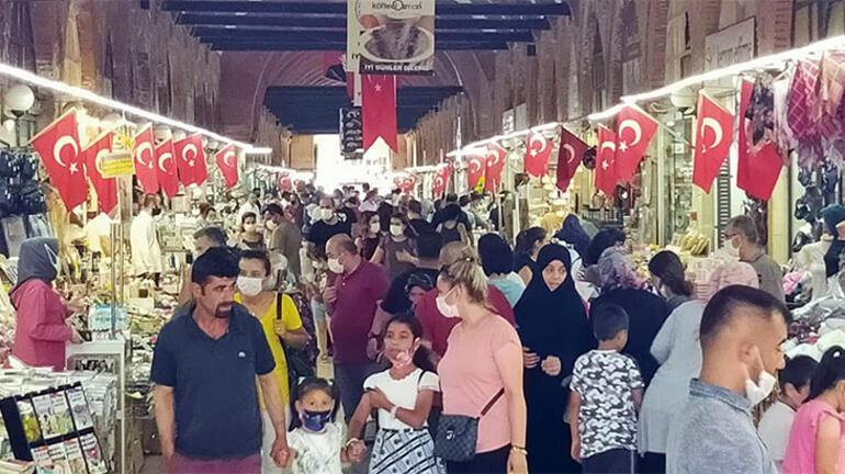 Son dakika Bakan Kocanın vaka az dediği Edirneye, bayramda binlerce kişi akın etti