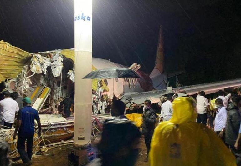 Son dakika haberi: Hindistanda 191 yolculu uçak düştü Ölü ve yaralılar...