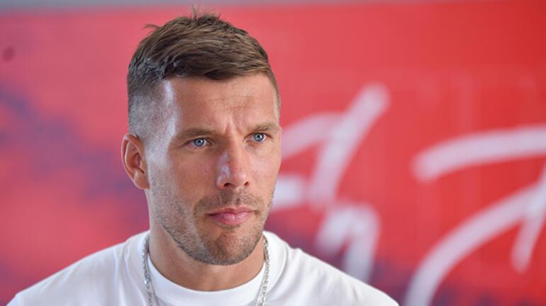 Lukas Podolski: Türkiyede ailemle birlikte kendimi çok huzurlu hissediyorum
