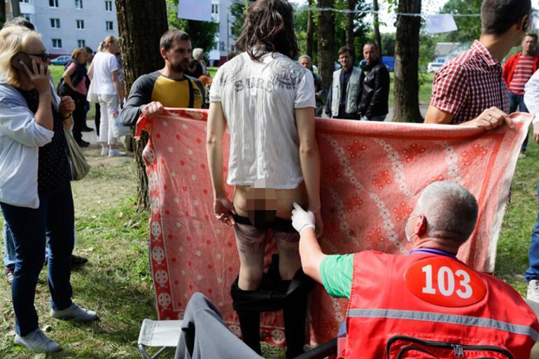 Belarusta gözaltına alınan protestocular işkenceden geçiriliyor