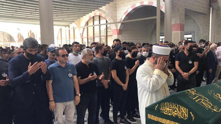 Azerbaycan kabul etmedi mafya lideri Qulinin cenazesi İstanbul da defnedildi